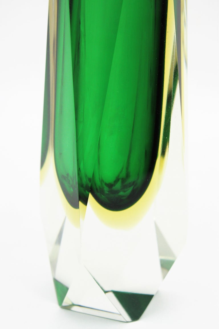 Extra Large Mandruzzato Murano Sommerso Green Black Yellow Faceted Glass Vase For Sale 5