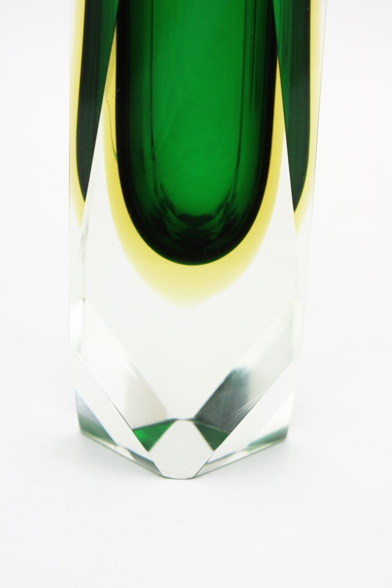 Extra Large Mandruzzato Murano Sommerso Green Black Yellow Faceted Glass Vase For Sale 6
