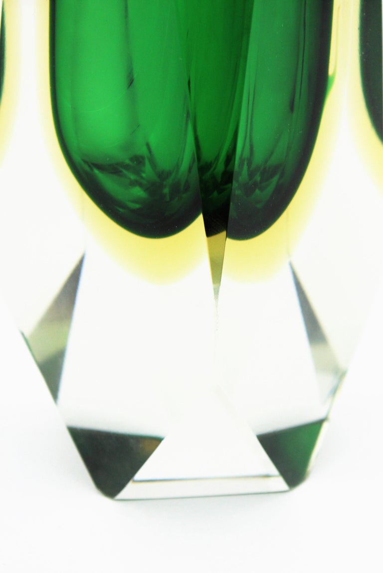 Extra Large Mandruzzato Murano Sommerso Green Black Yellow Faceted Glass Vase For Sale 7