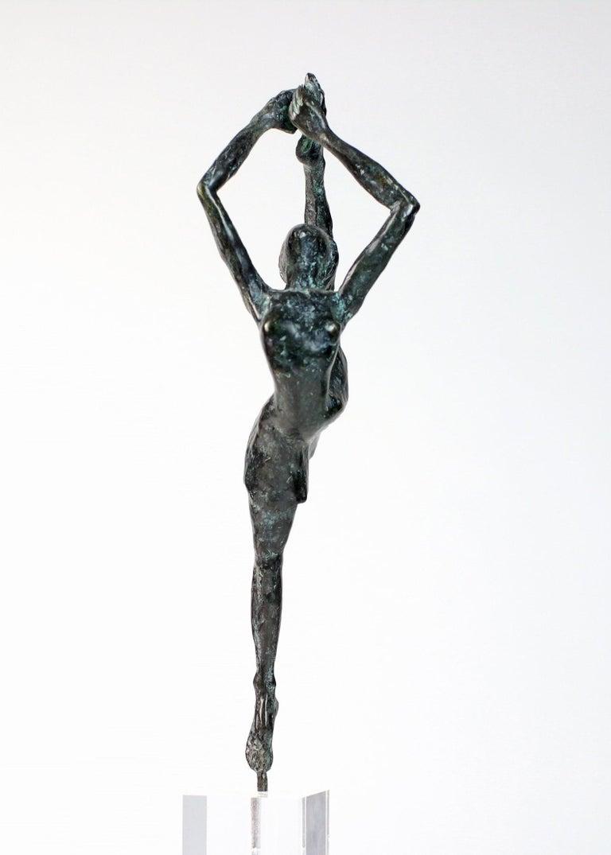Danseuse Rassemblée - Female Dancer Bronze Sculpture, contemporary - Gold Figurative Sculpture by Yann Guillon