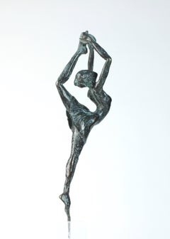 Danseuse Rassemblée - Female Dancer Bronze Sculpture, contemporary