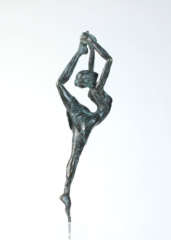 Yann Guillon Figurative Sculpture - Danseuse Rassemblée - Female Dancer Bronze Sculpture, contemporary