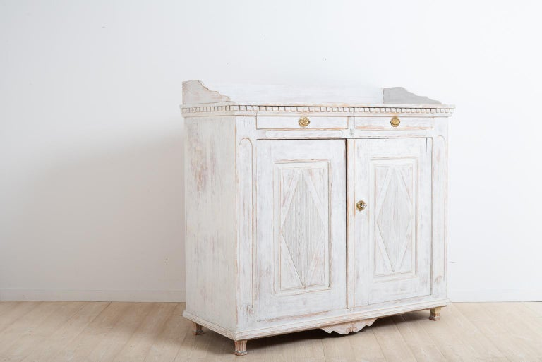 Hand-Painted Year 1800 Swedish Gustavian Sideboard from Örnsköldsvik For Sale