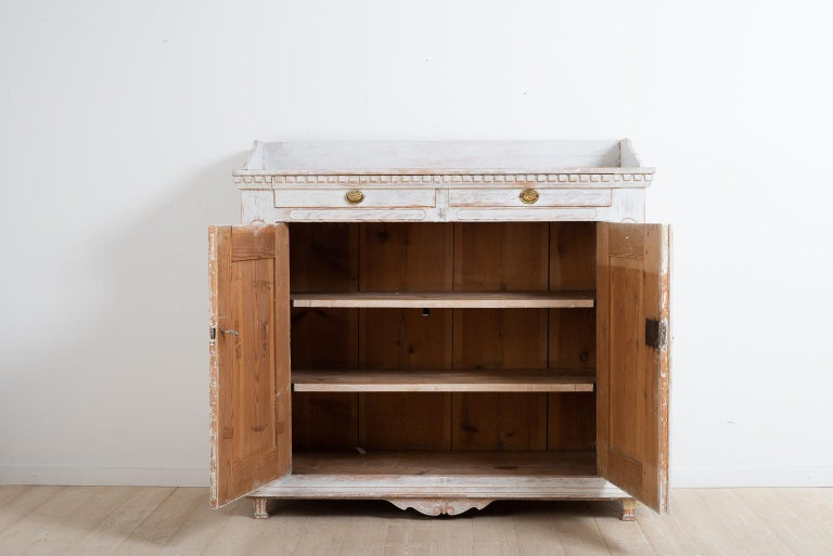 Year 1800 Swedish Gustavian Sideboard from Örnsköldsvik For Sale 1