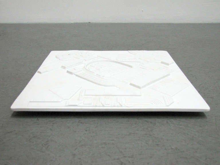 Year Plate by Eduardo Paolozzi for Rosenthal, 1978 In Excellent Condition For Sale In Los Angeles, CA