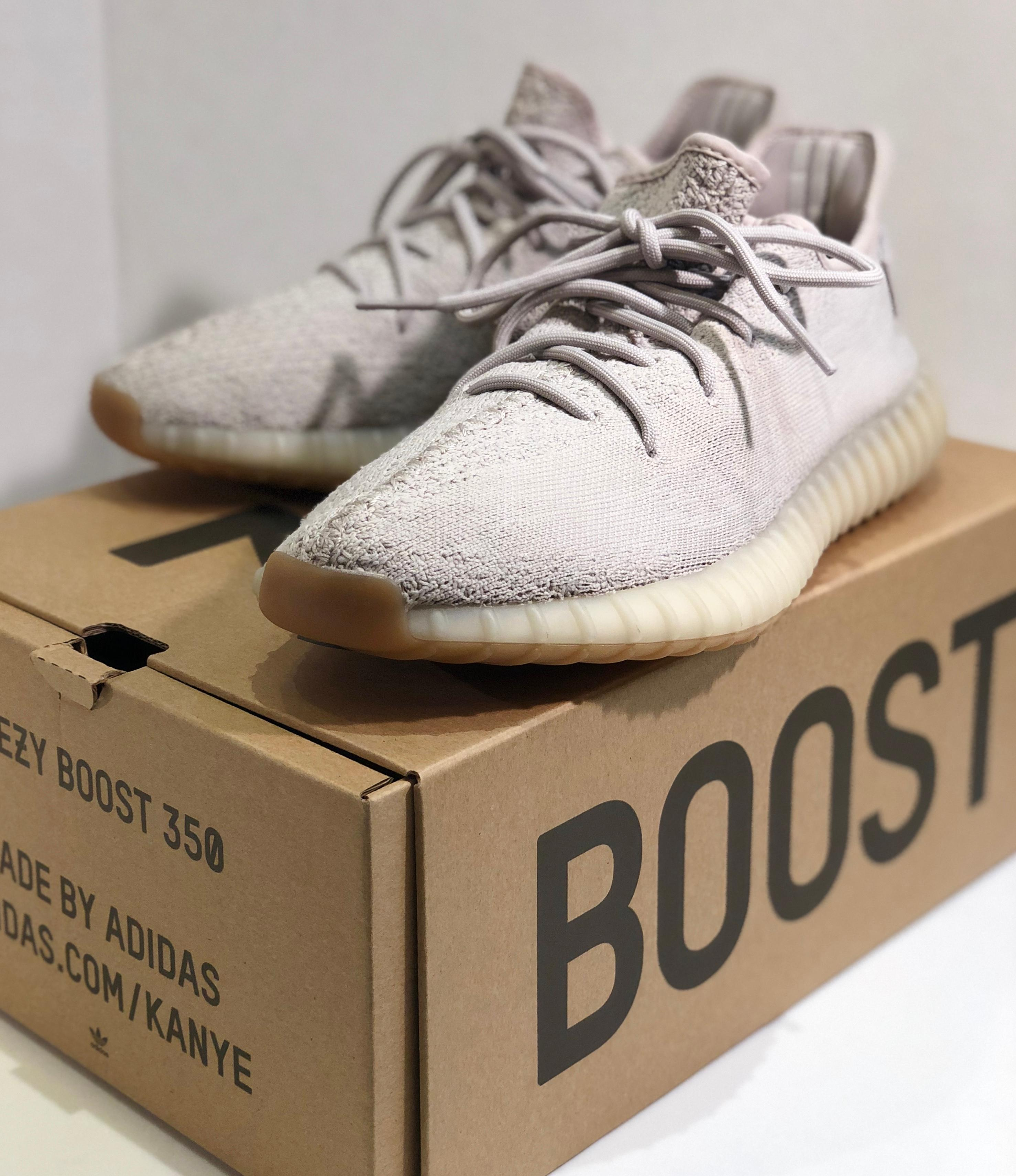 Yeezy Boost 350 V2 Adidas Kanye Sesame Originals US Size 10.5 Shoes with Box