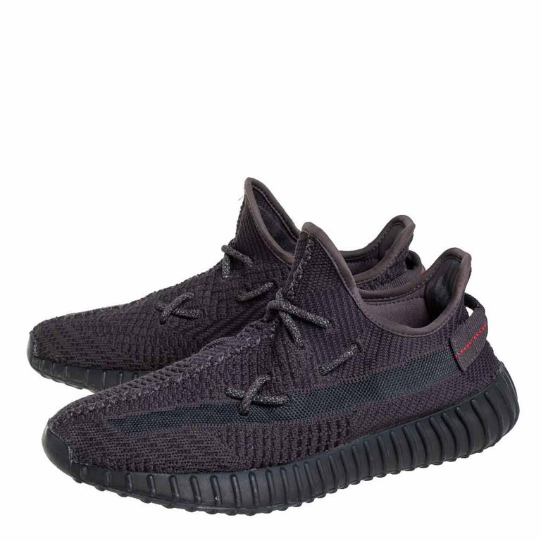 Men's Yeezy x Adidas Black Knit Fabric Boost 350 V2 Sneakers Size 42 2/3 For Sale