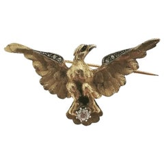 Yellow 18 Karat Gold Eagle Brooch and Diamonds