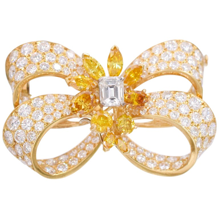 Yellow and Colorless Diamond Bow Brooch For Sale