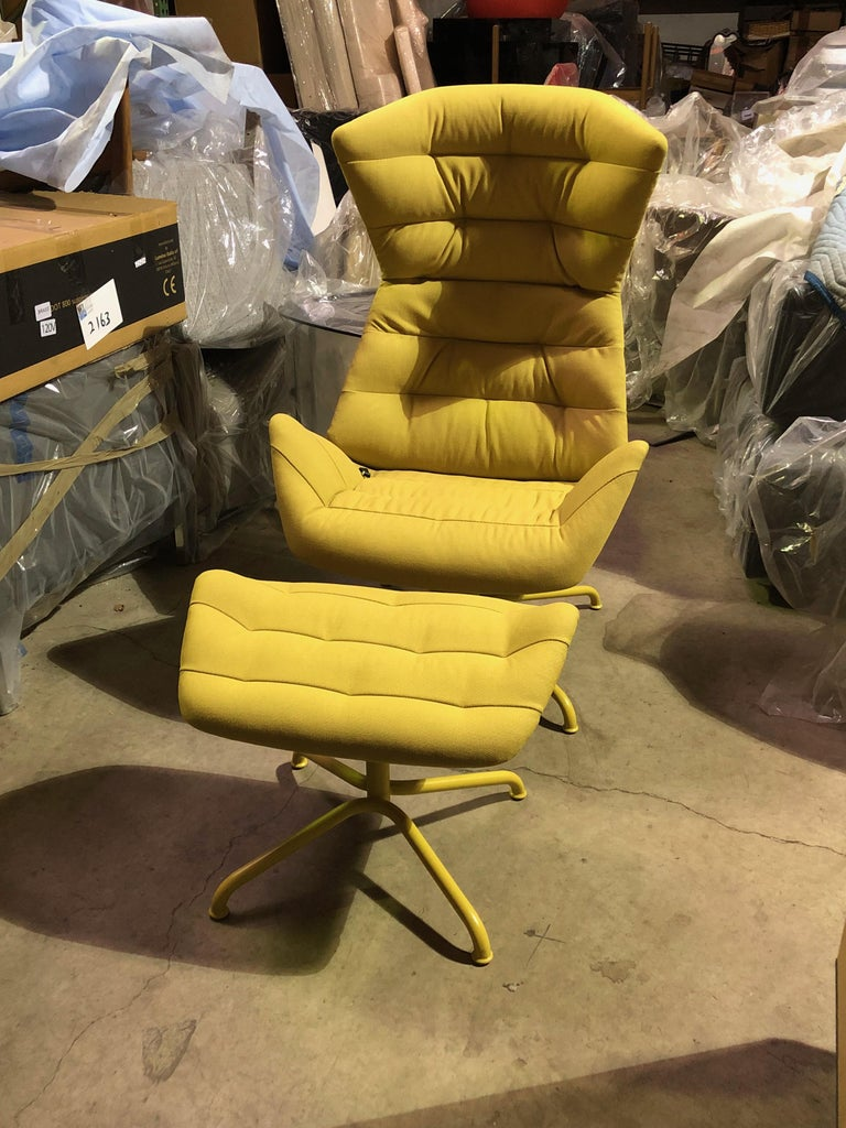 Yellow and Gray Thonet 808 Recliner Lounge Chair In Excellent Condition For Sale In New York, NY