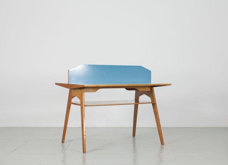 Italian double, desk with yellow