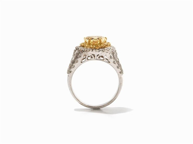 Art Deco Yellow and White Diamonds Heart Ring, 750 White Gold For Sale