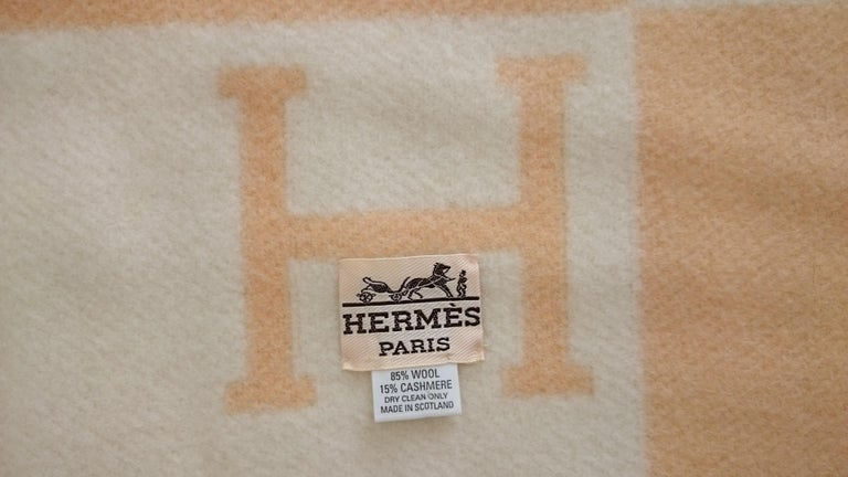 Yellow Avalon Wool & Cashmere Hermès Blanket - 105 x 136 cm (41.3 x 53.5 Inches) In New Condition In Somo (Santander), ES