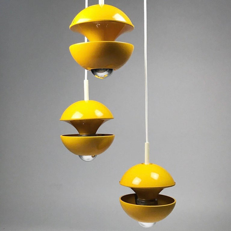 Yellow cluster chandelier by Klaus Hempel for Kaiser Leuchten, Germany 1972 In Good Condition For Sale In Haderslev, DK