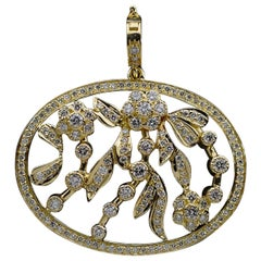 Yellow Gold 1.60 Carat Round Diamond Oval Shaped Pendant with Flowers