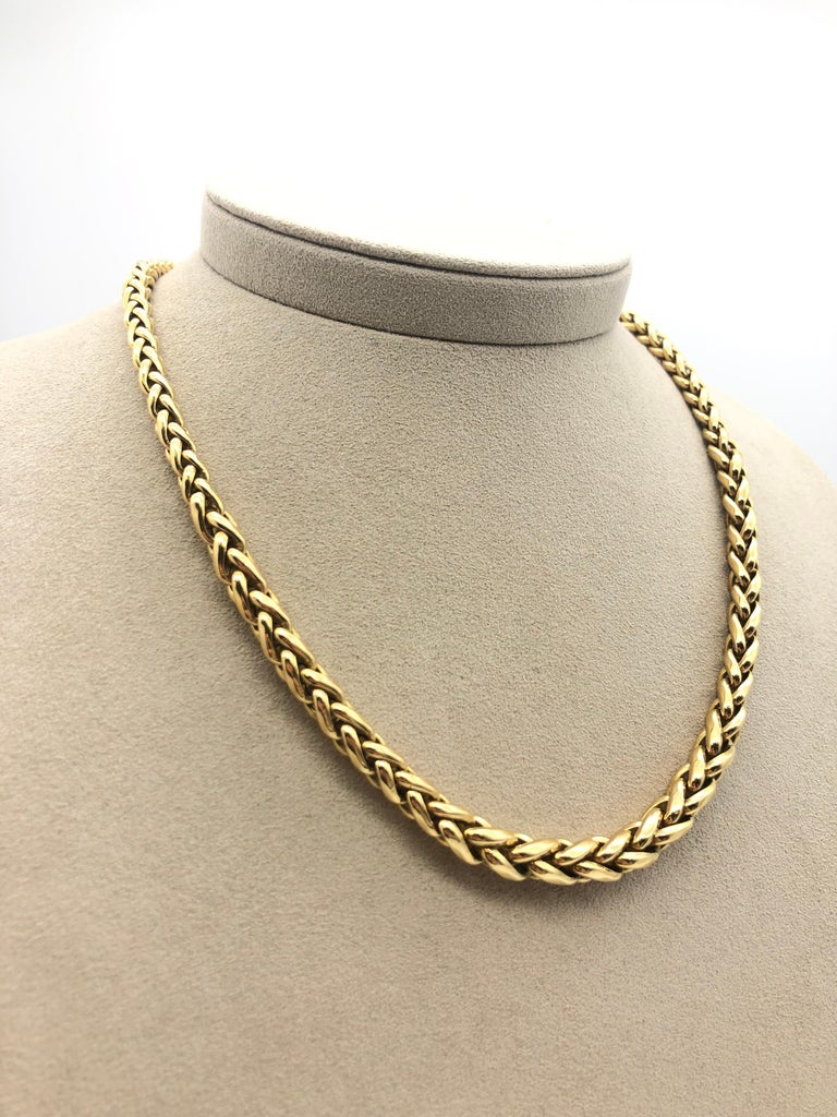 Yellow Gold 18 k Necklace  Palm Mesh Weight Of Gold : 30.1 Grams 18 carats Lobster Clasp Length 45 cm / 17,7 inch Circa 80's