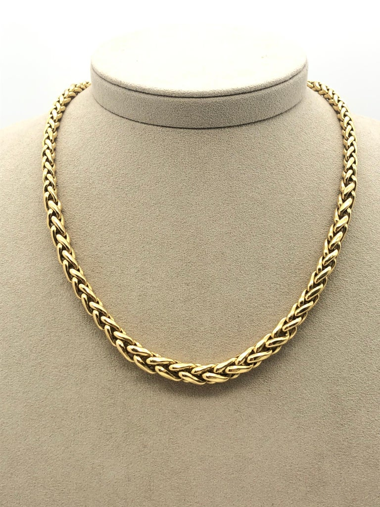 Yellow Gold 18 Karat Palm Mesh Necklace, circa 1980s In Excellent Condition For Sale In Vannes, FR