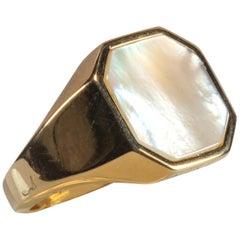 Yellow Gold 18 Karat Mother of Pearl Ring