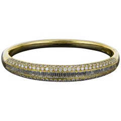 Yellow Gold 5.18 Carat Round Diamond Bangle Bracelet