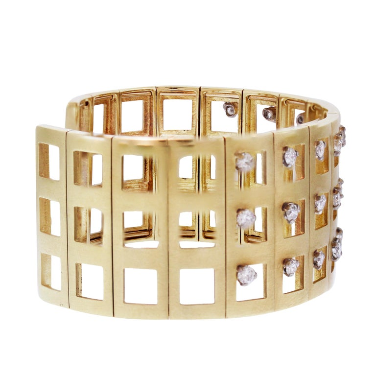 Yellow Gold and Diamond Cuff Bracelet In Excellent Condition For Sale In Boca Raton, FL