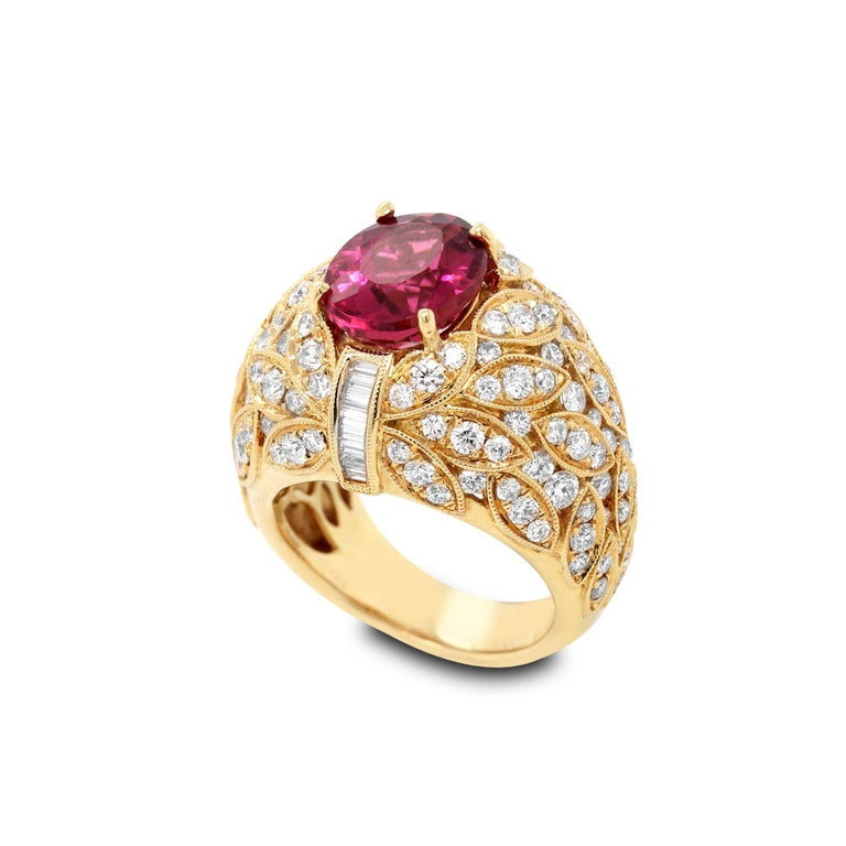 Yellow Gold and Diamond Ring with Rubellite Tourmaline Center In Excellent Condition For Sale In Boca Raton, FL