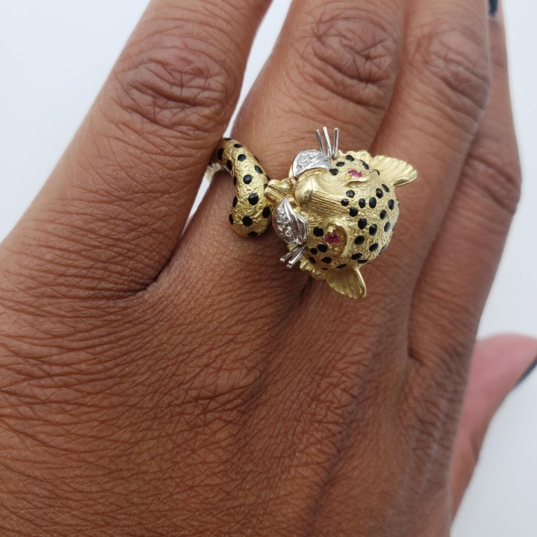 Yellow Gold and Enamel Leopards Head Ring For Sale 3