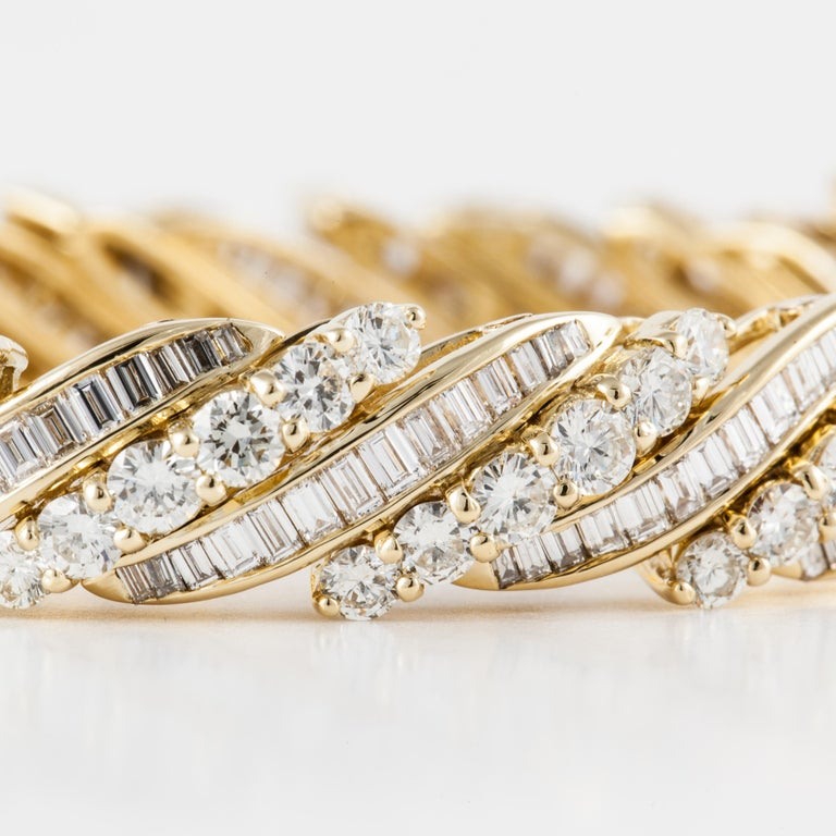 Women's or Men's Yellow Gold Baguette Diamond Bracelet For Sale