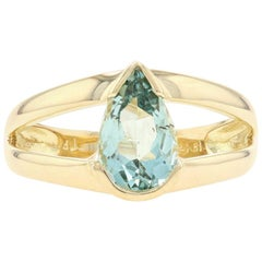 Yellow Gold Beryl Solitaire Ring, 18 Karat Pear Cut 1.93 Carat