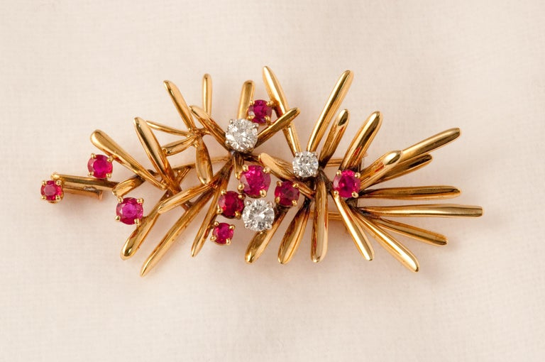 Retro Yellow Gold Brooche For Sale