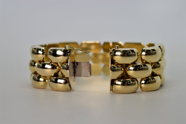 Bubble Link Yellow Gold Retro Bracelet In Excellent Condition For Sale In Mount Kisco, NY
