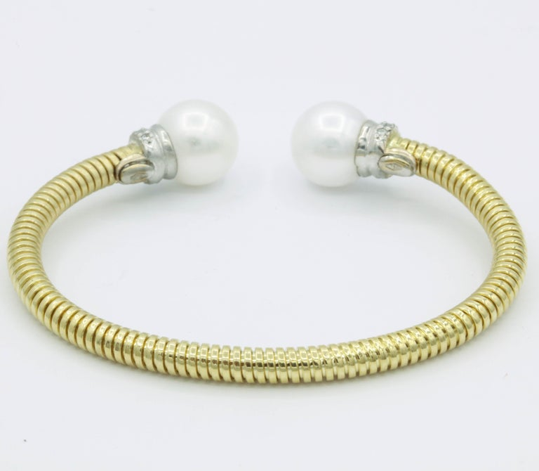 Yellow Gold Cuff Bangle Bracelet with Freshwater Cultured Pearls and Diamonds In New Condition For Sale In New York, NY