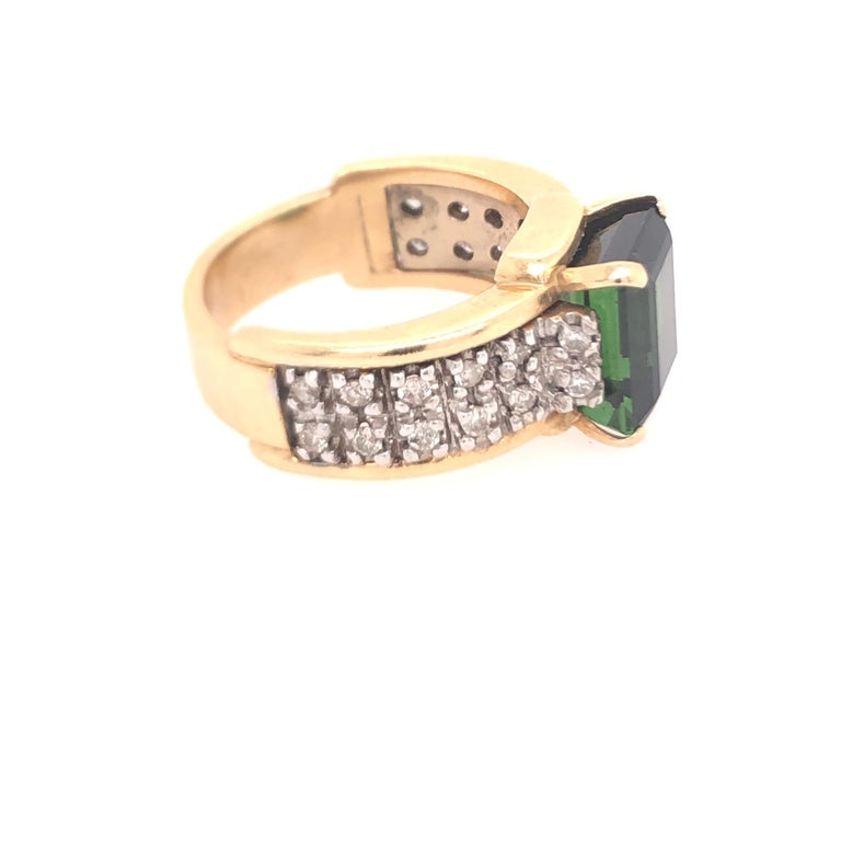 Modern Yellow Gold Diamond and Green Tourmaline Ring For Sale