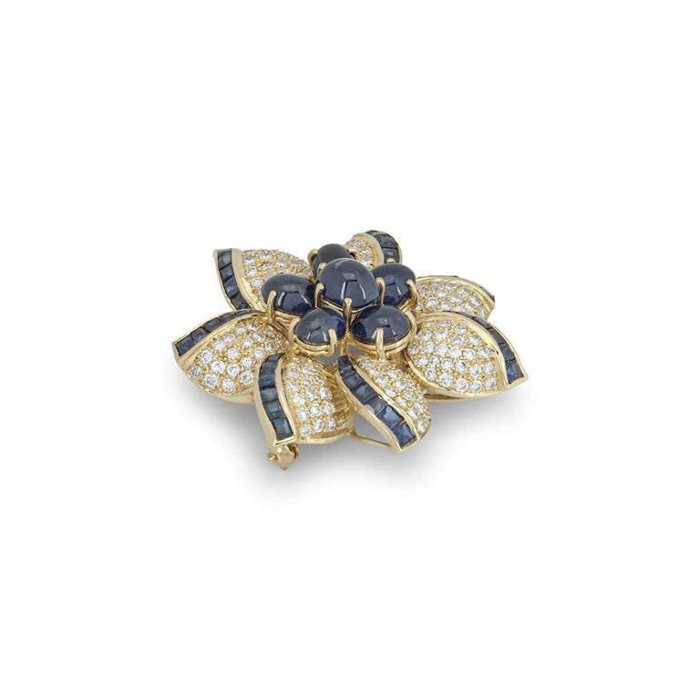 Round Cut Yellow Gold Diamond and Sapphire Flower Brooch For Sale