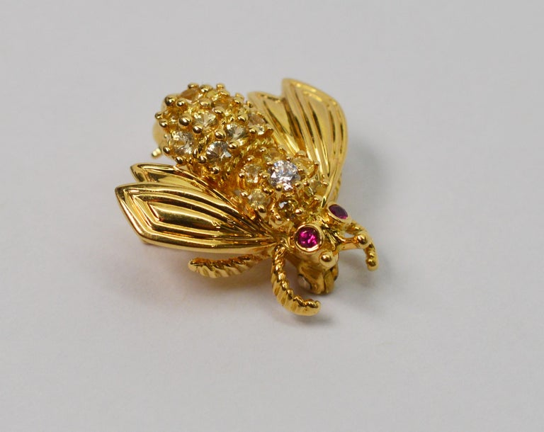 Yellow Gold, Diamond Ruby Tiffany & Co. Bumble Bee Pin Brooch In New Condition For Sale In Mount Kisco, NY