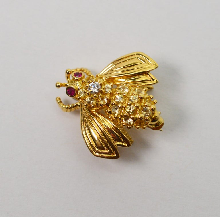 Yellow Gold, Diamond Ruby Tiffany & Co. Bumble Bee Pin Brooch For Sale 1