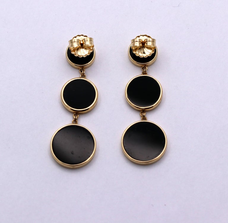 Women's Yellow Gold Hanging Earrings with Onyx and Modern Design For Sale