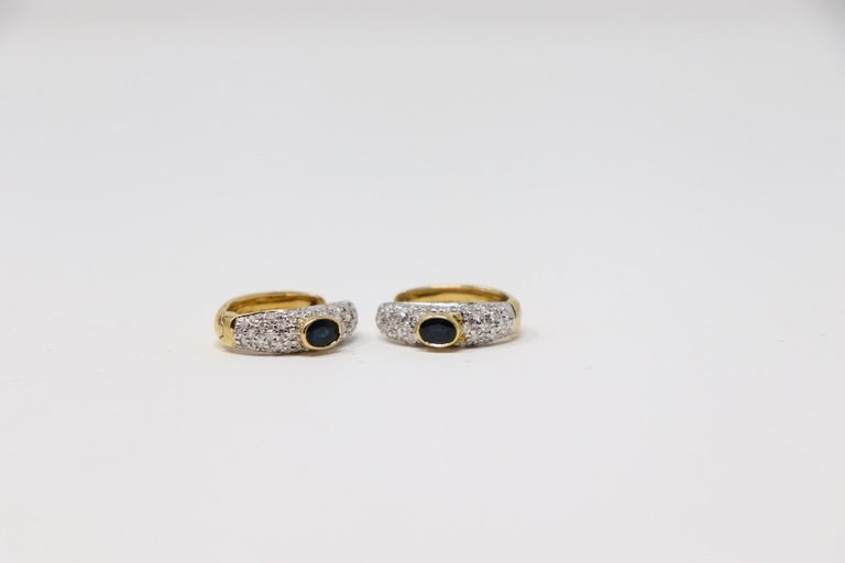 Yellow Gold Hoop Earrings with Brilliant Cut Diamonds and Blue Sapphire For Sale 4