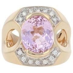 Yellow Gold Kunzite and Diamond Ring, 14 Karat Oval Cut 6.10 Carat