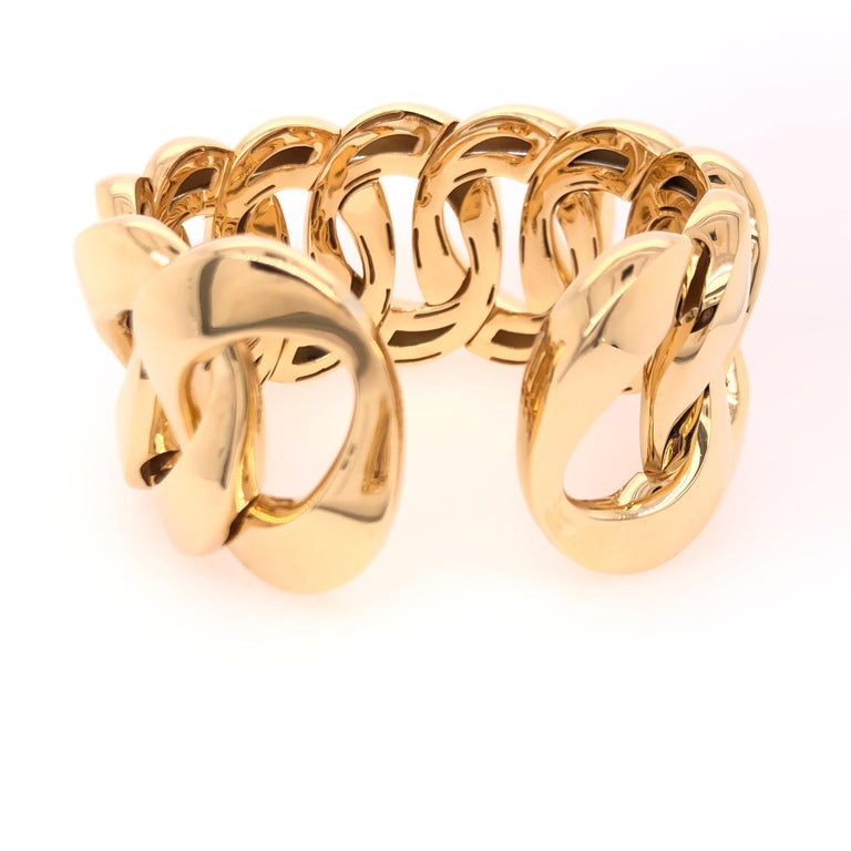Yellow Gold Large Link Bracelet In New Condition For Sale In Dallas, TX