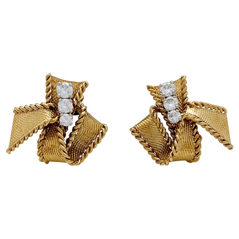 """Yellow Gold Mauboussin """"Knots"""" Earrings Set with Brilliants For Sale"""
