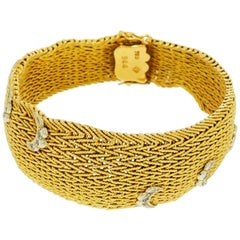 Yellow Gold Mesh Bracelet with Diamond Swirls