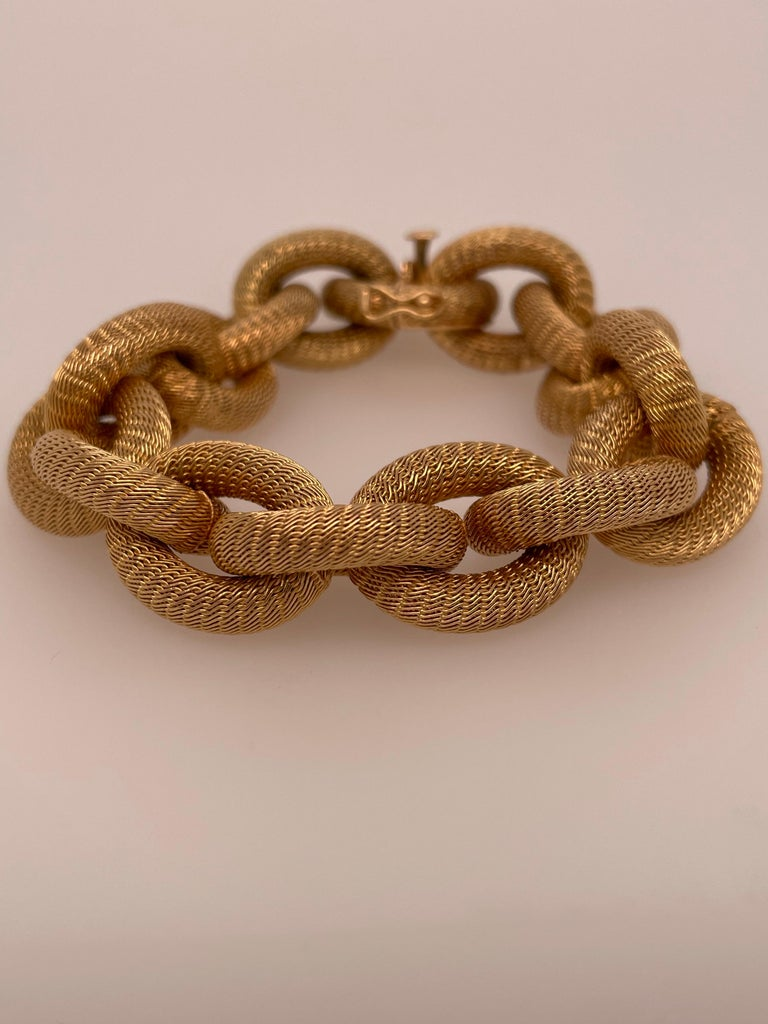 Yellow Gold Mesh Link Bracelet In Good Condition For Sale In Dallas, TX