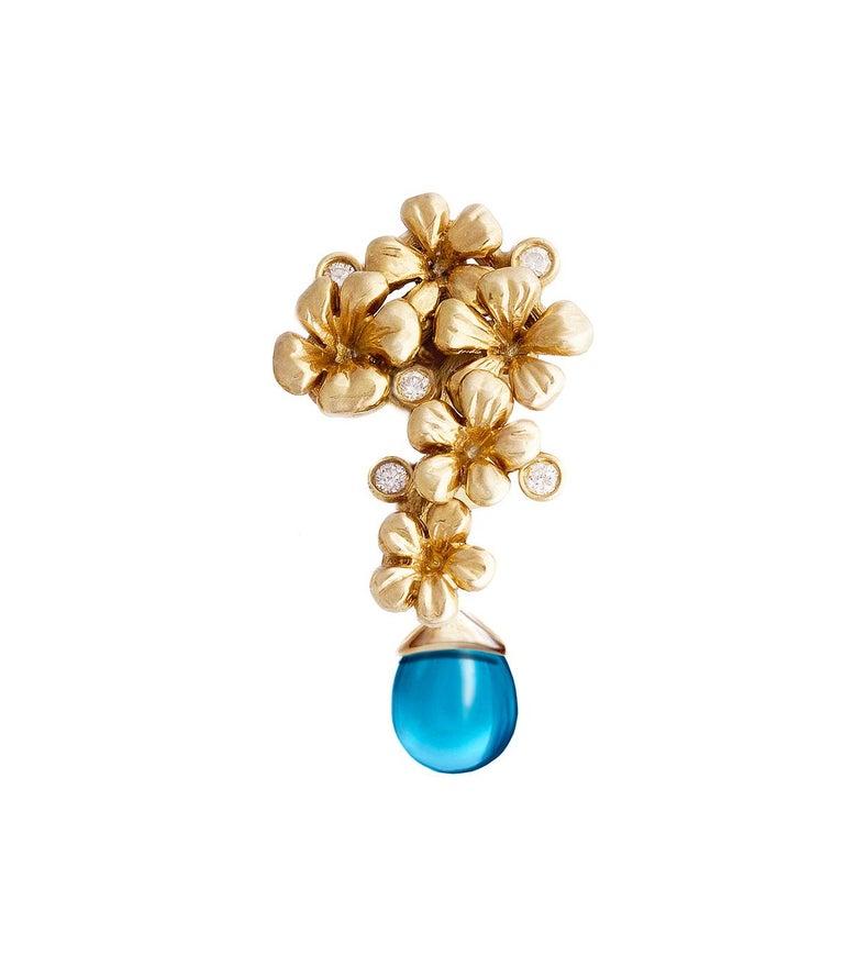 Yellow Gold Modern Blossom Transformer Pendant Necklace, 0.15 Carat Diamonds For Sale 1