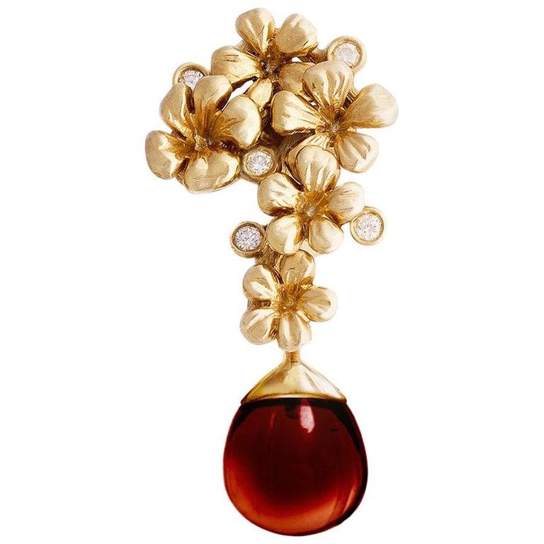 Yellow Gold Modern Blossom Transformer Pendant Necklace, 0.15 Carat Diamonds For Sale
