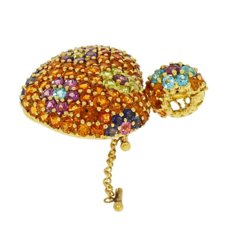 Round Cut Yellow Gold Multi-Gemstones Heart Pendant or Brooch For Sale