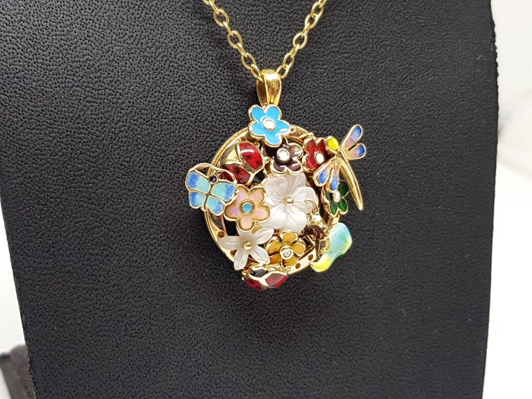 Round Cut Yellow Gold Necklace Mother of Pearl Diamond Multi-Color Enamel Pendant For Sale