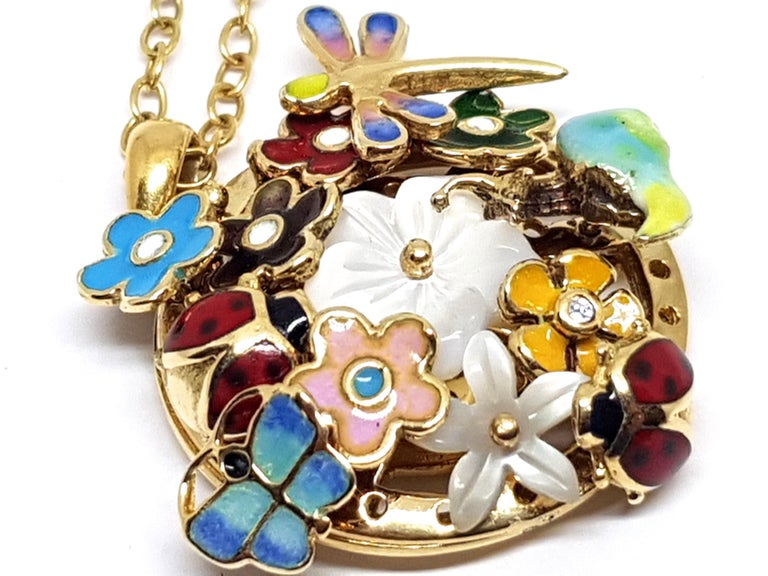 Yellow Gold Necklace Mother of Pearl Diamond Multi-Color Enamel Pendant For Sale 3