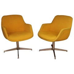 Yellow Gold Pair of Midcentury Swivel Barrel Chairs Steelcase
