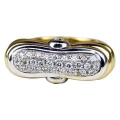 Yellow Gold Ribbed Diamond Ring
