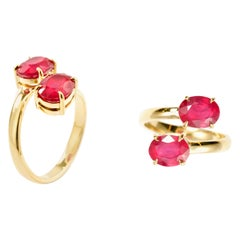 RING 18 Karat Yellow Gold with Ruby (3.9 Carats)